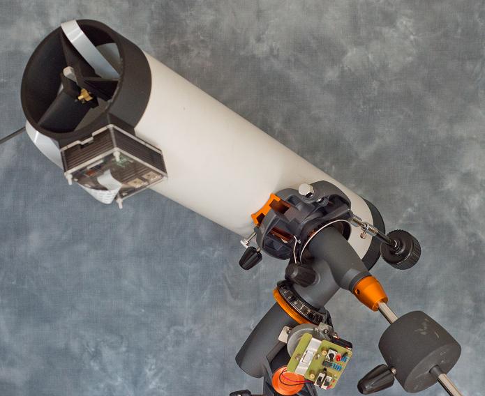 Telescópio tem tamanho pequeno e preço baixo (Foto: Divulgação)