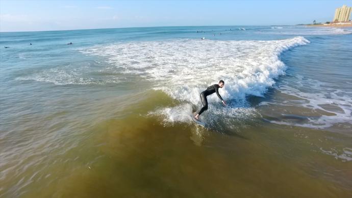 Coroas mandam bem no surfe em Jacaraípe  (Foto: Divulgação / TV Gazeta ES)