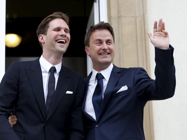 O premiê de Luxemburgo, Xavier Bettel (direita) é primeiro líder gay da União Europeia a se casar (Foto: Francois Lenoir/Reuters)
