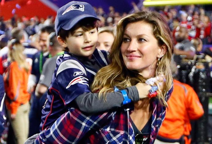 Gisele Bundchen e o filho, Superbowl, NFL (Foto: Getty Images)