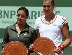 Bia Haddad Mais tênis Roland Garros troféu duplas Montserrat Gonzalez (Foto: AFP)