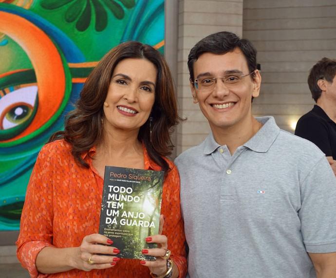 Fátima com o convidado Pedro Siqueira (Foto: Vinícius Cunha/Gshow)