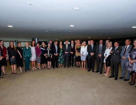 Michel Temer recebe o deputado Celso Russomanno e integrantes do Sistema de Defesa do Consumidor (Foto: Reprodução)