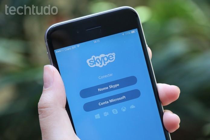Como enviar os mojis do Skype pelo celular (Foto: Anna Kellen Bull/TechTudo)