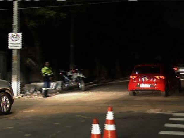 Apesar da liberação, motorista reclamaram da falta de iluminação a noite. (Foto: Reprodução/TV Verdes Mares)