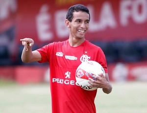 Rafinha no treino do Flamengo (Foto: Ivo Gonzalez / Agencia O Globo)