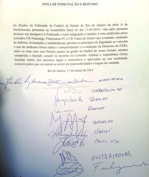 Nota de repúdio dos clubes pequenos a Fla, Flu e Vasco na Ferj (Foto: Vicente Seda)