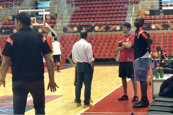 Derrick Caracter basquete do Flamengo (Foto: Julia Pecci)