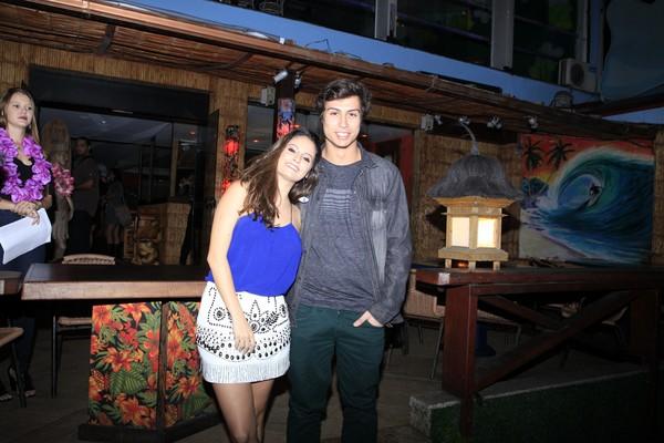 Francisco Vitti dá festão de R$ 120 mil e curte noite com Amanda de Godoi