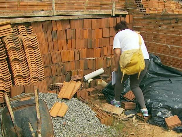 Equipes de combate ao Aedes intensificam visitas para combate focos em Guaranésia (Foto: Reprodução EPTV)