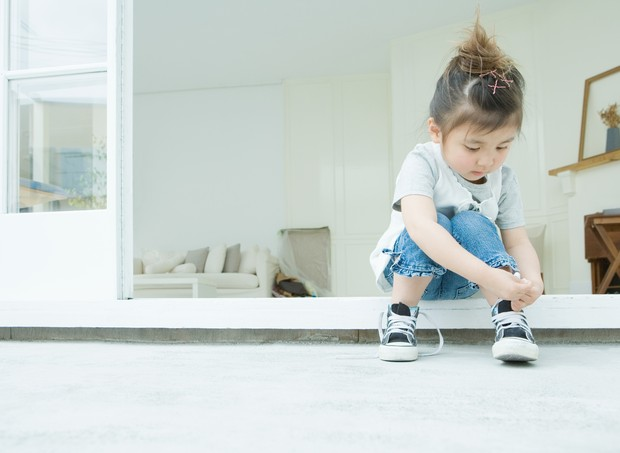 Deixe seu filho fazer sozinho! (Foto: Getty Images)