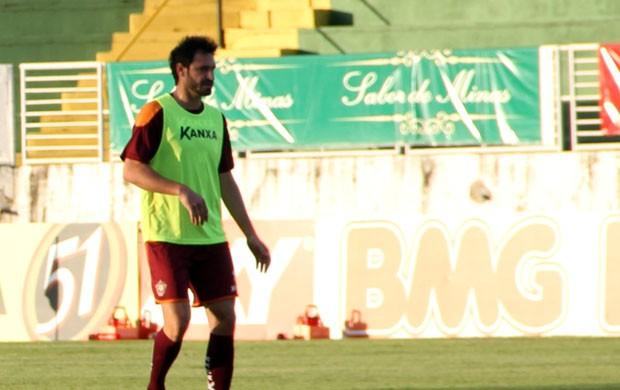 André Astorga vive expectativa de fazer 1º jogo pelo Boa Esporte no Melão (Foto: Tiago Campos)