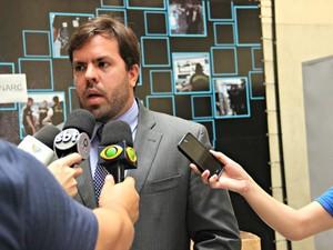 Delegado Thyago Tenório falou sobre o caso na manhã desta sexta-feira (13) (Foto: Suelen Gonçalves/G1 AM)