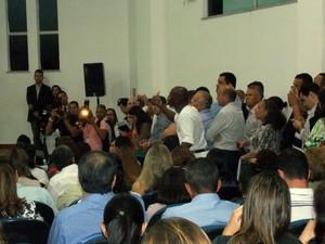 Cidadão interrompe fala do secretário da Saúde da Bahia, Jorge Solla, em evento (Foto: Lílian Marques/ G1)