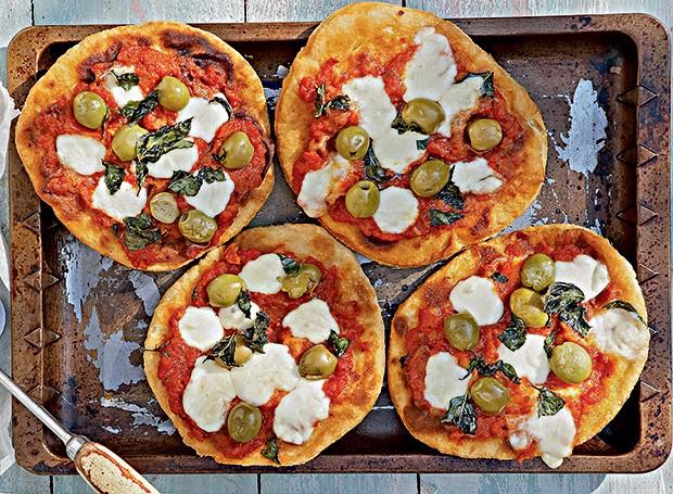 Minipizzas fritas e assadas (Foto: StockFood / Gallo Images Pty Ltd.)