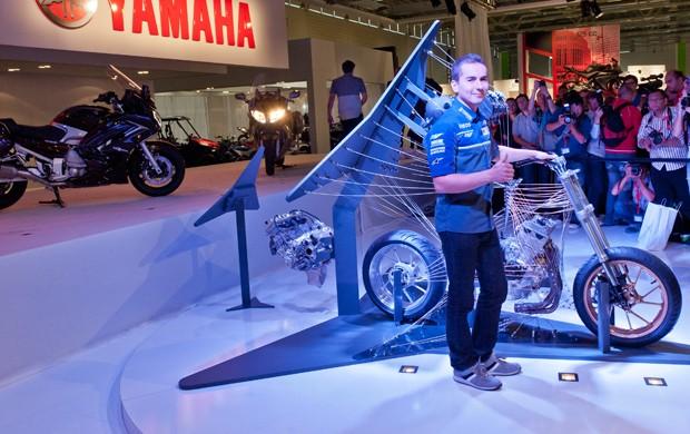 O piloto de MotoGP, Jorge Lorenzo, apresentou conceito de três cilindros (Foto: Divulgação)