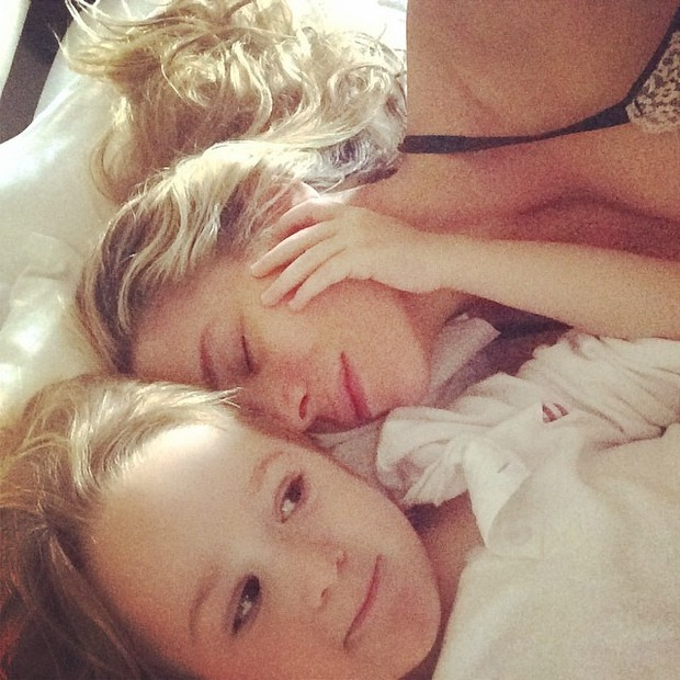 Danielle Winits e o filho Guy (Foto: Reprodução/Instagram)