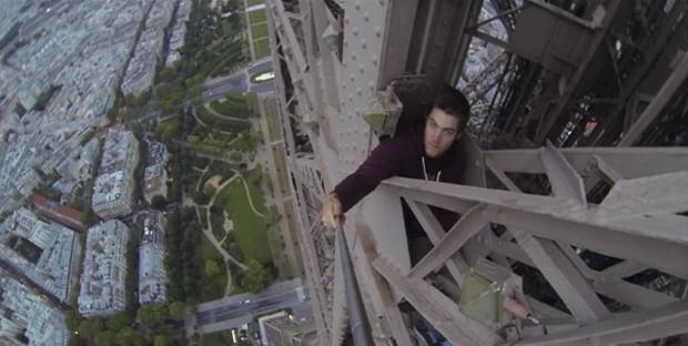 Britânico escalou a torre Eiffel, em Paris, sem equipamentos de proteção (Foto: BBC)