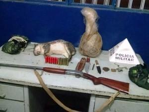Materiais de caça e pesca foram apreendidos em Jequitaí (Foto: Divulgação / Polícia Militar)