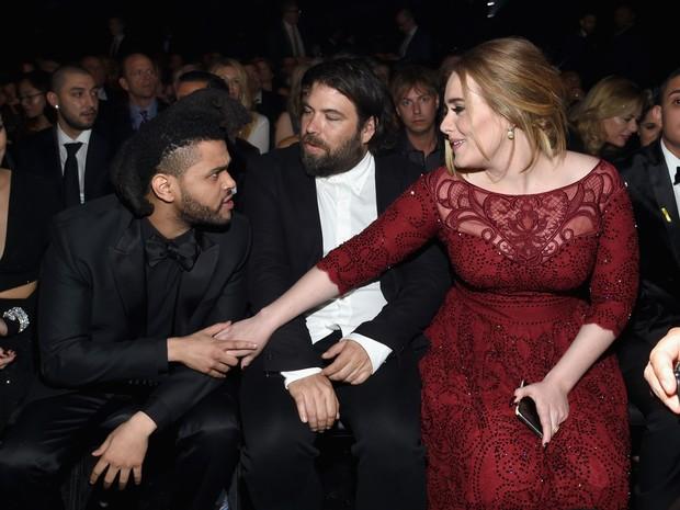 The Weeknd e Adele no Grammy, em Los Angeles, nos Estados Unidos (Foto: Larry Busacca/ Getty Images/ AFP)