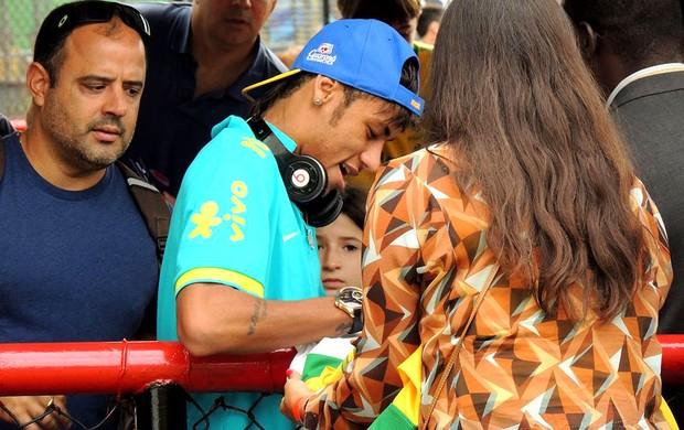 neymar brasil gávea (Foto: Márcio Iannacca / Globoesporte.com)