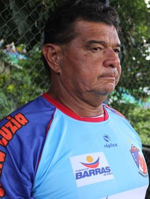 Júlio Araújo, técnico do Barras (Foto: Emanuele Madeira/GLOBOESPORTE.COM)