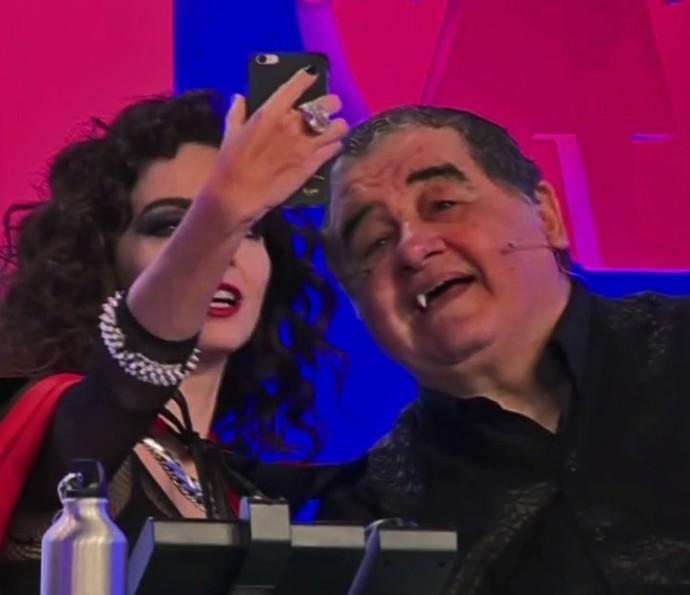 Cládia Ohana e Otávio Augusto revivem personagens de Vamp (Foto: TV Globo)