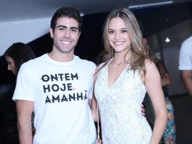 Juliano Laham e Juliana Paiva em show na Zona Oeste do Rio (Foto: Anderson Borde/ Ag. News)