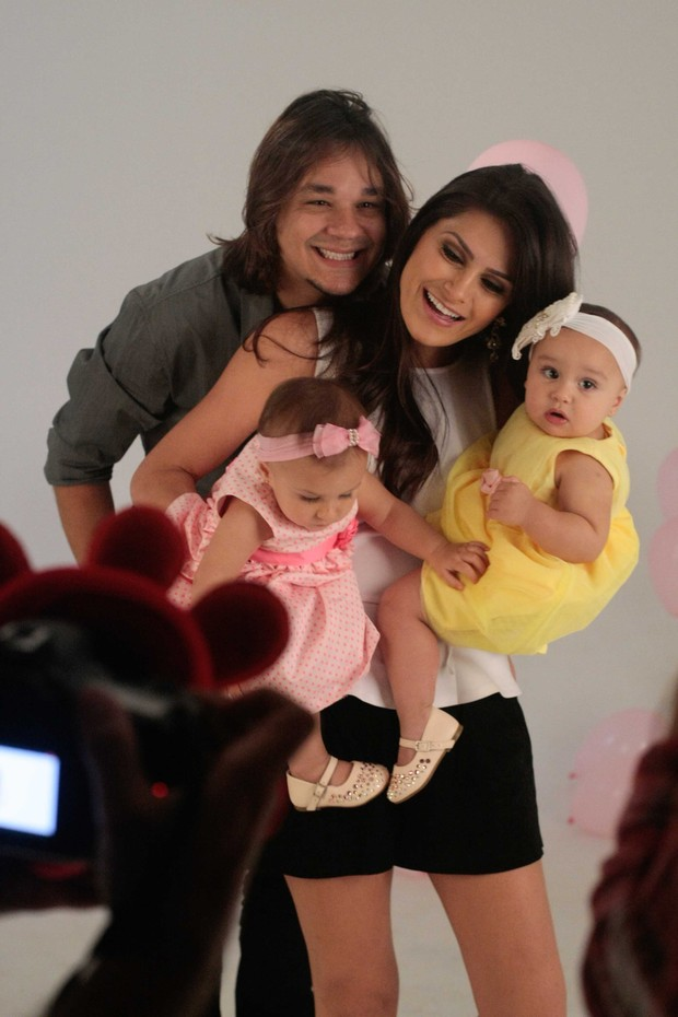Maya e Kiara filhas de Leandro do KLB (Foto: Leo Franco / Agnews)