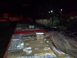 Cigarro contrabandeado era transportado em carreta (Foto: Polícia Rodoviária Estadual)