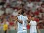 Yaya dribla timidez, festeja primeiro gol pelo Londrina e se espelha em Joel