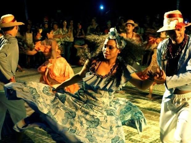 """Grupo Iaçá encena espetáculo """"Todo rio é minha rua"""" no Pôr-do-Som (Foto: Divulgação/Agência Pará)"""