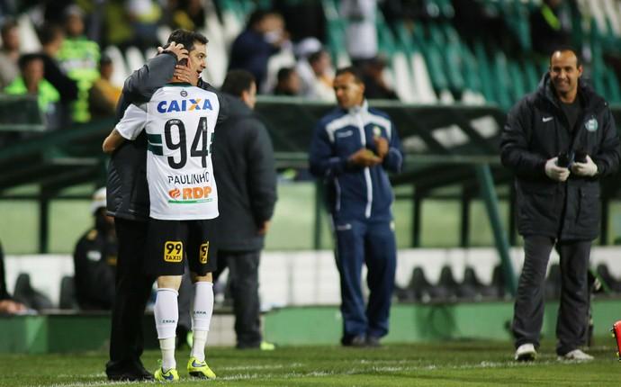 Paulinho Coritiba Avaí (Foto: Giuliano Gomes/PR Press)