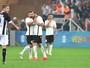 Com futuro indefinido no Corinthians, Danilo ganha pontos com Cristóvão