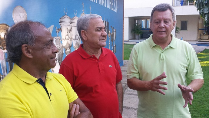 Dirceu Lopes, Palhinha e Raul lembraram com saudade do amigo Roberto Batata (Foto: Marco Antônio Astoni)
