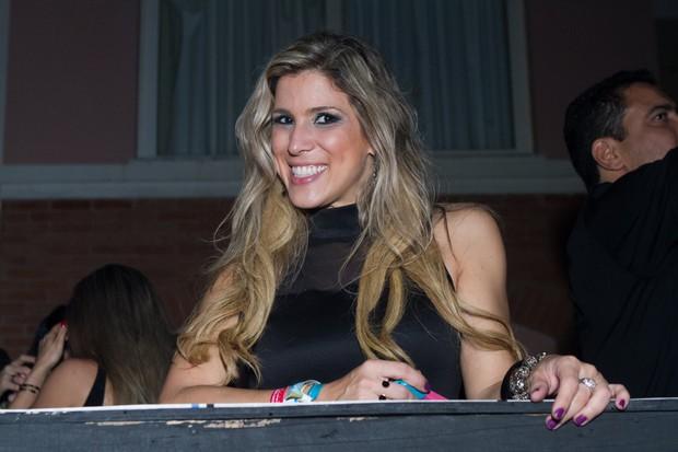 A ex-BBB Milena Fagundes no Paradise Weekend Festival, na Costa do Sauípe (Foto: RAPHAEL MESQUITA / DIVULGAÇÃO)