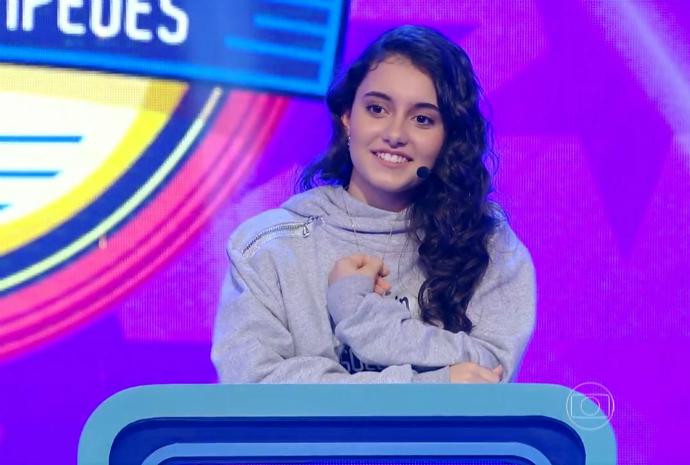 Yasmin se classificou para a semifinal do Soletrando - Desafio dos Campeões (Foto: Reprodução/RBS TV)