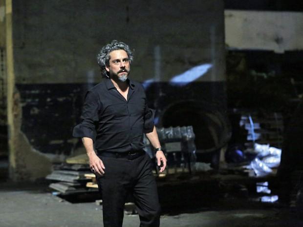 Nero se concentra para gravar cenas finais de seu personagem (Foto: Ellen Soares/ Gshow)