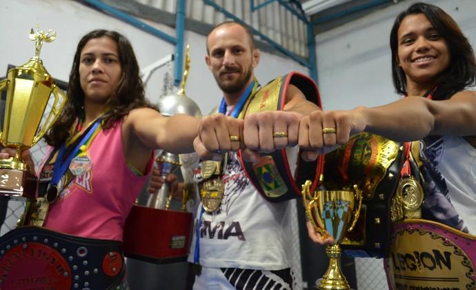Aline Sattelmayer, Ricardo Sattelmayer, Bianca Sattelmayer, lutadores MMA (Foto: Danilo Sardinha/GloboEsporte.com)