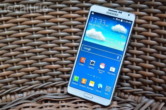 Galaxy Note 3 também vem com tela Full HD com 5,7 polegadas (Foto: Luciana Maline/TechTudo)