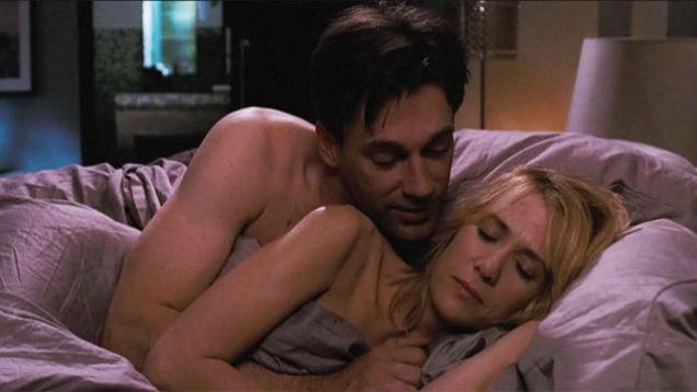 A desastrosa cena de sexo entre os dois em 'Missão Madrinha de Casamento' é hilária, mas nem por isso deixa de ser boa. (Foto: Reprodução)