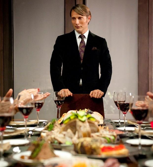 Um dos jantares da série Hannibal (Foto: Divulgação)