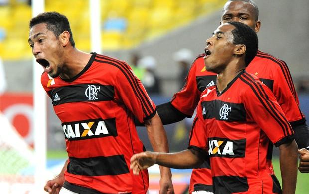 Hernane Flamengo e Vitória  (Foto: Alexandre Vidal / Fla Imagem)