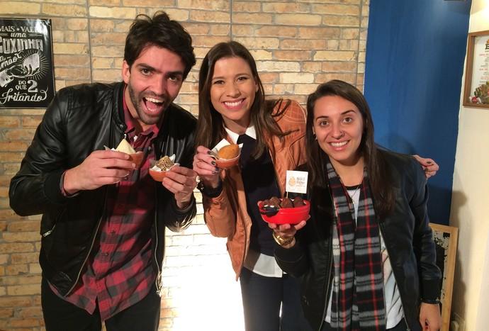 Camille Reis vais mostrar um local com muitas opções de coxinhas  (Foto: RBS TV/Divulgação )