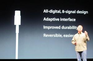 Novo adaptador do iPhone (Foto: Laura Brentano/G1)