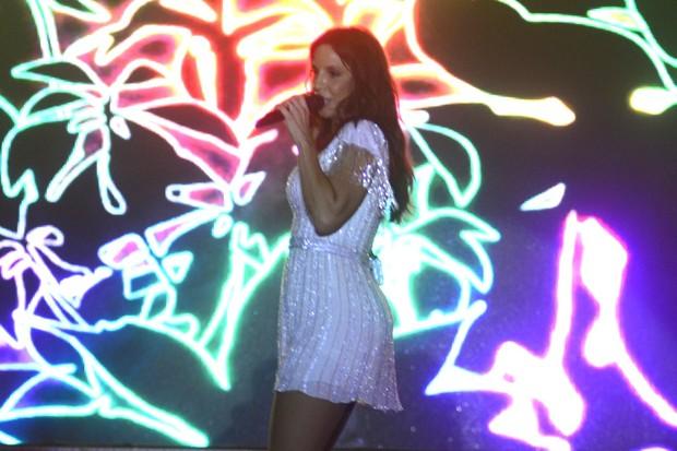 Ivete Sangalo se apresentando (Foto: Roberto Teixeira/EGO)