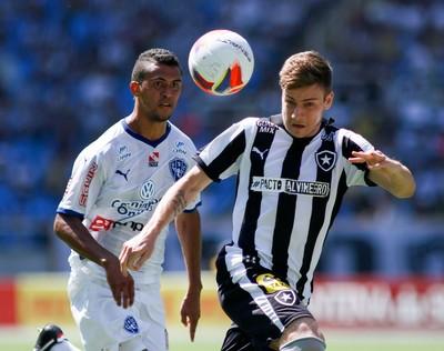 Luis Henrique Botafogo x Paysandu (Foto: Luciano Belford / SSPress)
