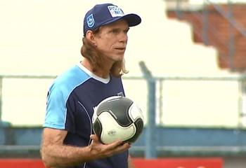 Sérgio Guedes, técnico do Rio Claro (Foto: EPTV/Marlon Tavoni)