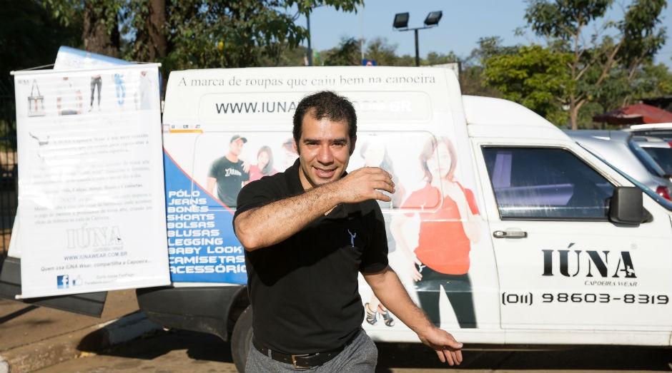 """Tinoco: """"Para o futuro, desejo aumentar a frota da loja móvel, expandir a marca para outros Estados e abrir uma loja fixa"""" (Foto: Patrícia Cruz)"""