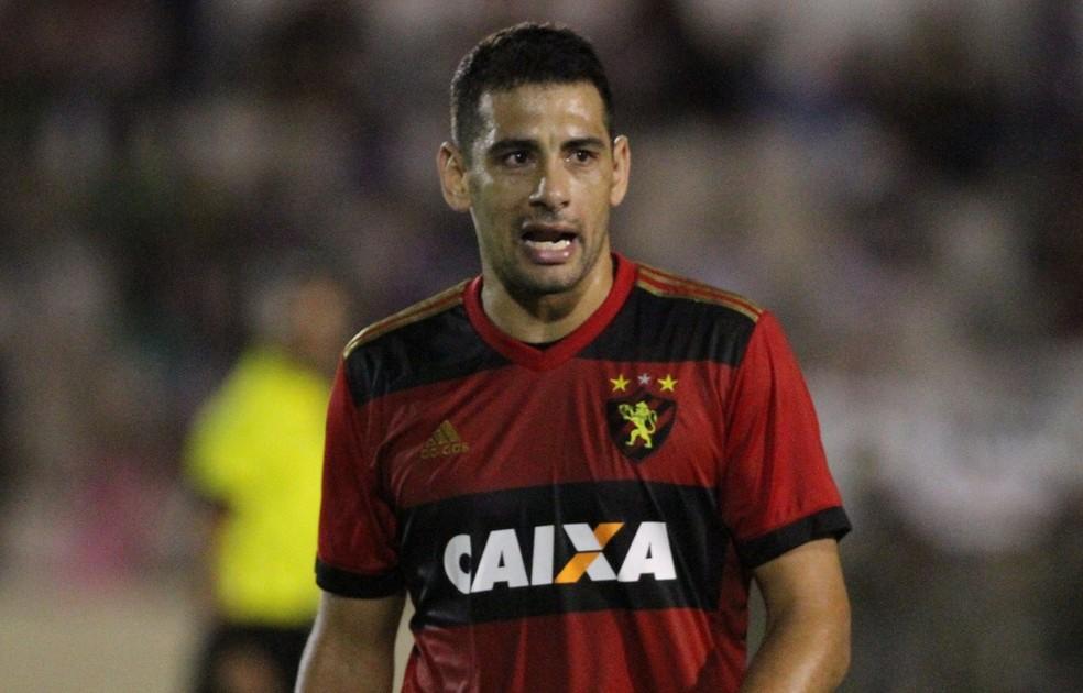 Diego Souza está em negociação com o Palmeiras nos últimos dias (Foto: Marlon Costa / Pernambuco Press)